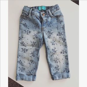 Old Navy BF distressed floral print jeans sz: 2T